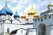В России - 99 тысяч памятников истории и культуры. // videotour.ru