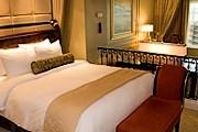 Туристы получат право на бесплатную ночь в отеле. // birminghamal.org