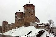 В крепости Олавинлинна проходят и оперные фестивали, и концерты рок-групп. // silver-ring.ru