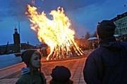 Сжигание зимы на Риддархольмене. // Jonas Ekströmer