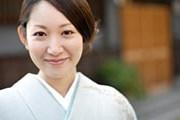 Иностранцев приобщают к японской культуре. // BLOOMimage