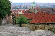 Замковую лестницу отреставрируют. // prahatur.ru