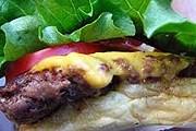 Бургер из Shake Shack // Flickr / Slice