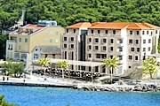 Отель снова принимает туристов. // adriagate.com