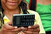 Мобильные телефоны помогут сориентироваться в Диснейленде. // GettyImages / Sandy Jones