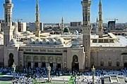 Отель расположен в двух шагах от мечети Масджид ан-Наби. // wikipedia.org