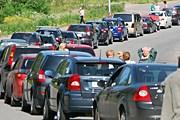 Очередь машин туристов на границе России и Финляндии // Travel.ru