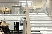 Кафе занимает антресоль в мастерской. // luxlux.pl