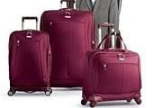 Легкие сумки пользуются все большим спросом. // AP