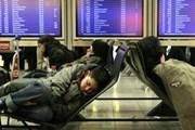 В любом аэропорту мира можно увидеть спящих людей. // reuters.com