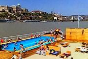 Будапешт приглашает на плавучий пляж. // prian.ru
