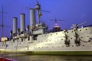 """Крейсер """"Аврора"""" можно посетить бесплатно без экскурсии в первой половине дня. // cobectb.photosight.ru"""