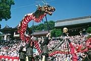 Красочные фестивали привлекают множество туристов. // at-nagasaki.jp