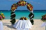 Свадебные пакеты от Real Resorts рассчитаны на любой бюджет. // weddings.realresorts.com