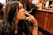В хорватских кафе можно курить. // AP