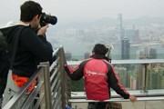 Пик Виктория - одна из самых популярных достопримечательностей Гонконга. // А.Баринова