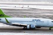 Самолет авиакомпании airBaltic // Travel.ru