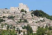 Замок и деревня Лакост // stylefrizz.com