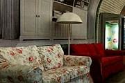 В парижском метро можно отдохнуть с комфортом. // publigeekaire.com