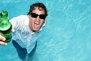 Туристам предложено принимать алкогольные ванны на родине. // GettyImages