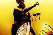 Нептун, разбивающий 5-злотовую монету, стал символом акции. // gdansk4u.pl