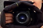 Можно фотографировать, не доставая камеру из сумки. // cloakbags.com