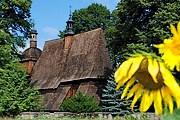 Туристы смогут увидеть выдающиеся образцы деревянного зодчества. // drewniana.malopolska.pl