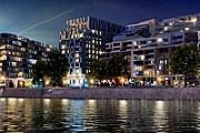 Отель расположен в центре города на берегу Дуная. // kempinski.com