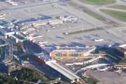 Терминалы: 3 (D) - слева вверху, E - в центре и 2 (F) - справа внизу. Станция электрички - в центре внизу // Travel.ru