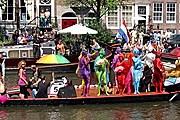 Главное событие фестиваля - Canal Parade. // johnberner.com
