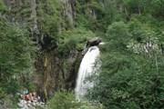 За сезон водопад посещают около 30 тысяч человек. // culturolog.ru