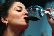 Возможность выпить ночью сохранится в барах и ресторанах. // aolcdn.com