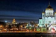 Одна из популярных достопримечательностей - храм Христа Спасителя. // picturesofmoscow.com