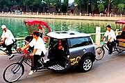 В Риме появились рикши. // steer.ru
