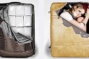 Необычные наклейки выделяют чемодан из тысячи других. // thecheeky.com