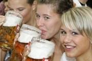 Посетителям предстоит отведать более 50 тысяч литров пива. // collegebars.net