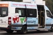 Маршрутка №949 ожидает пассажиров в Шереметьево. // Travel.ru