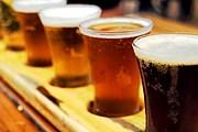 Гости фестиваля смогут попробовать разные сорта пива. // flickr.com / Ben Harris-Roxas