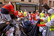 На уборку мусора потребуется неделя. // podroze.onet.pl
