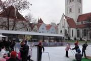 В Старом городе можно покататься на коньках. // uisuplats.ee