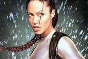 Анджелина Джоли в роли Лары Крофт // thefemalecelebrity.info