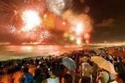 Встреча Нового года на пляже Рио - одно из самых известных мероприятий в мире. // pjlighthouse.com