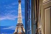 Из окон отеля Shangri-La открывается вид на достопримечательности города. // luxguru.typepad.com