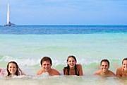 Пляжи полны отдыхающих. // iStockphoto