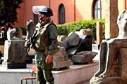 В настоящее время музей охраняется военными. // AP