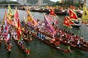 Фестиваль драконьих лодок собирает множество зрителей. // Hong Kong Tourism Board