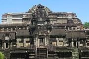 Храм Бапхуон был построен в начале XI века. // angkorguides.com