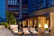 Террасы на крыше – лучшее спасение от летнего зноя. // hotelchatter.com