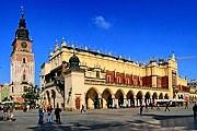 Туристы приезжают в Краков не только для того, чтобы полюбоваться памятниками города. // addtextlink.com
