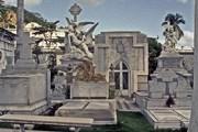 Кладбище Гуаякиля - собрание произведений монументального искусства. // Nick Fisher